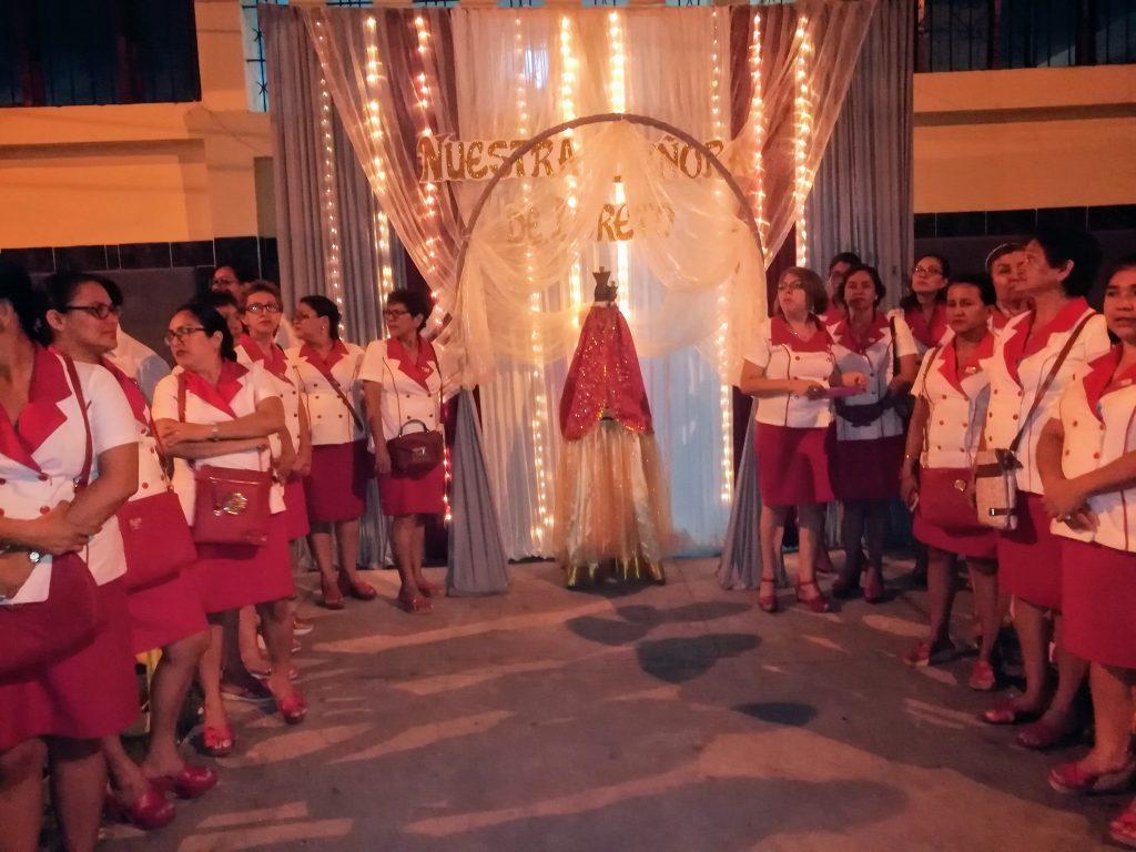 Procesión por el aniversario de la parroquia Nuestra Señora de Loreto